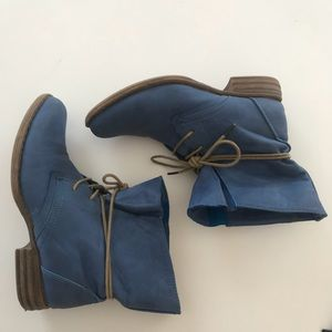 Wanted Blue Synthetic Leather Ankle Booties